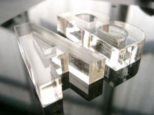 Acrylique découpé au laser
