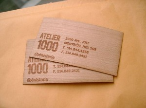 Cartes d'affaires en bois