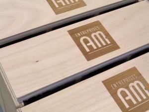 Boîtiers en bois gravés au laser