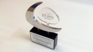Trophée en aluminium et acrylique