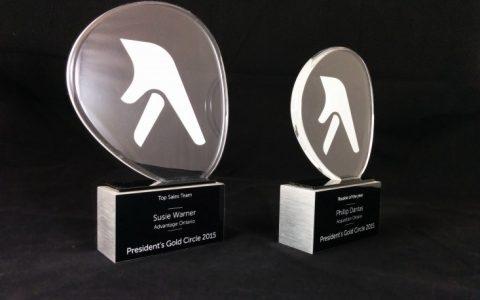 Trophées en acrylique et aluminium